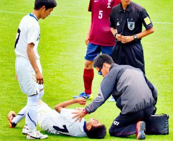 試合中の応急処置の様子